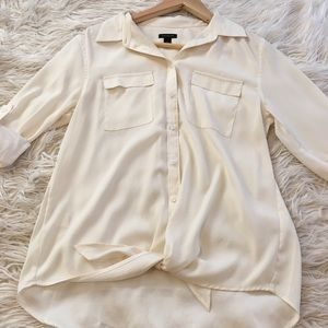 🌸 5 for $25 Ann Taylor White Blouse   size small